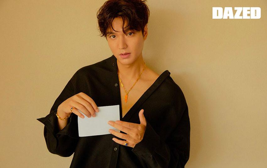 """Lee Min Ho điển trai trong bộ ảnh mới, chiếc mũi thẳng tắp """"xuyên thủng"""" trái tim chị em"""