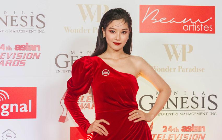 Hoàng Yến Chibi nổi bần bần trên thảm đỏ Giải thưởng truyền hình châu Á