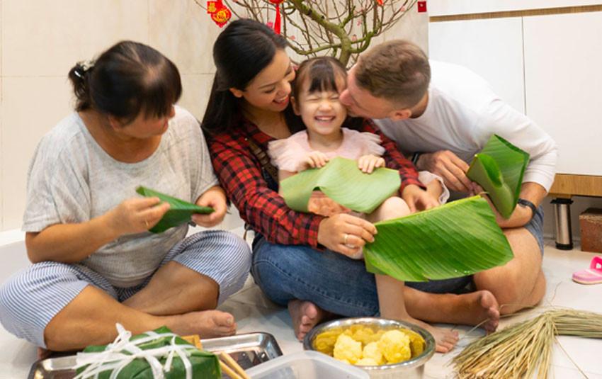 Phương Vy bật mí cảm nhận của ông xã ngoại quốc về Tết truyền thống của Việt Nam