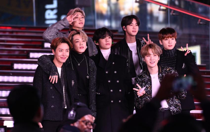 Grammy tiếp tục dính phốt: Đối xử với BTS như vũ công phụ họa khiến cộng đồng ARMY nổi giận