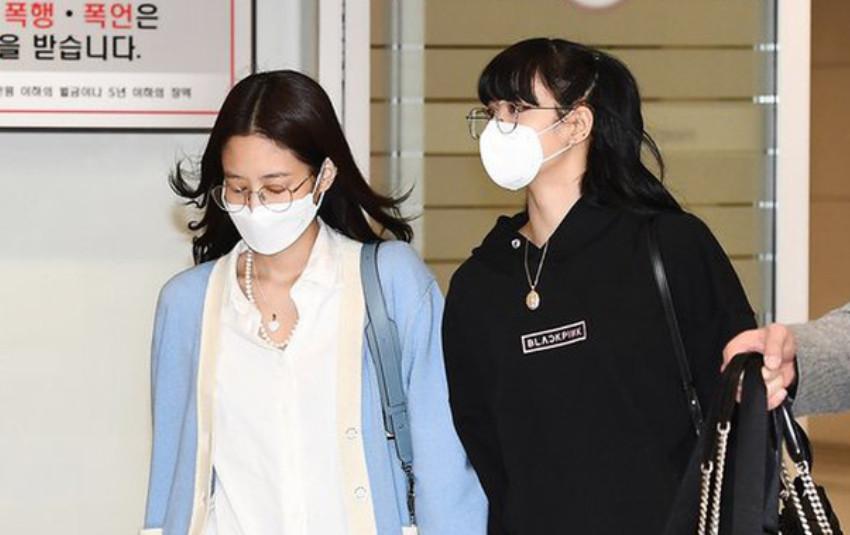 """Fan BLACKPINK xảy ra lục đục: Masternim của Jennie """"động chạm"""" Lisa, lên tiếng xin lỗi nhưng vẫn bị chỉ trích"""
