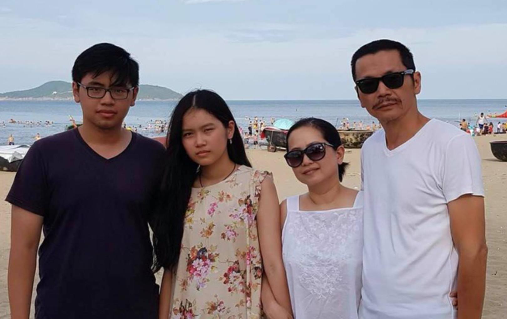 """Xúc động trước tâm thư của bố Sơn """"Về nhà đi con"""" nhắn gửi con trai đang mắc kẹt ở Thái Lan vì dịch COVID-19"""