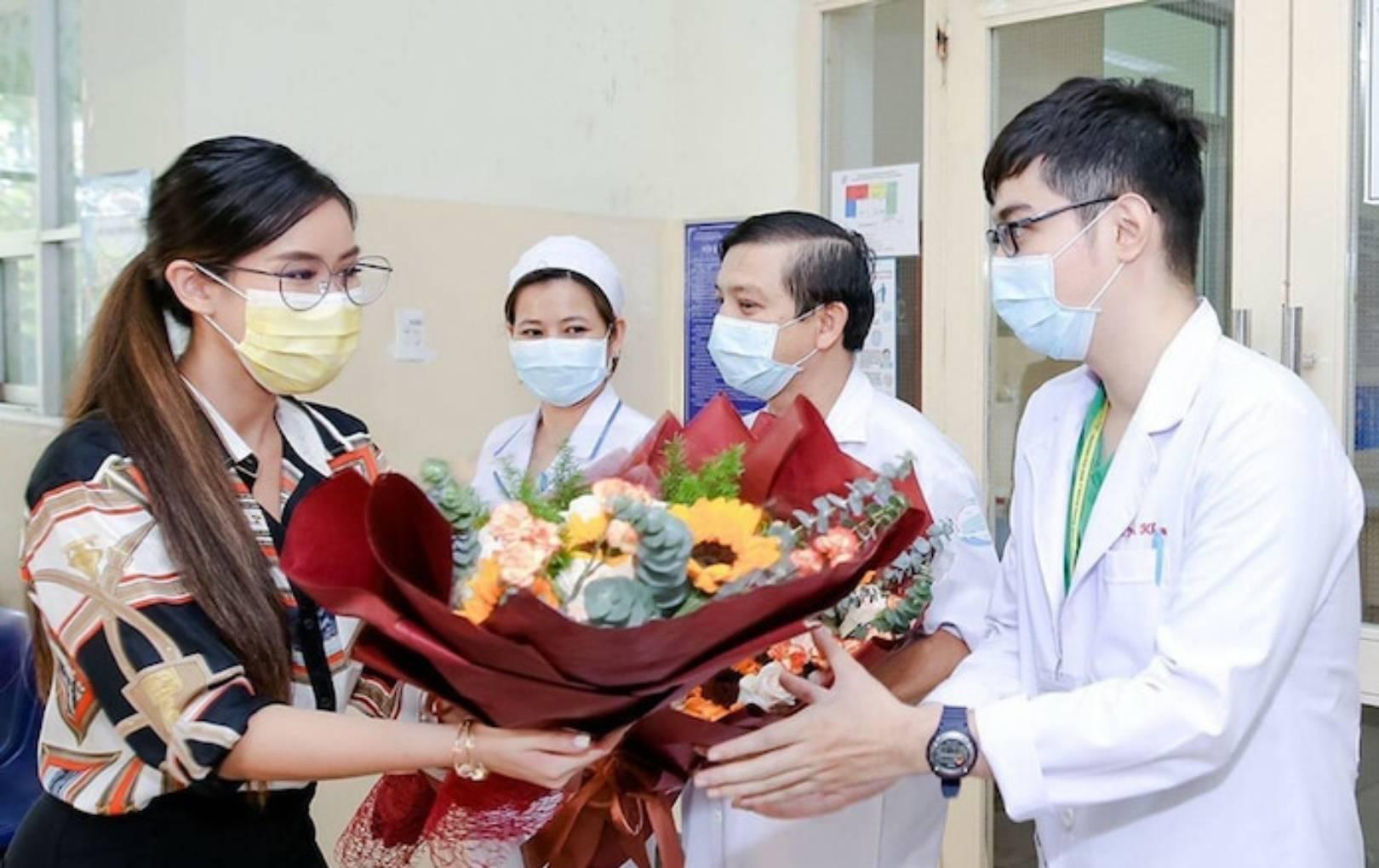 Richkid Tiên Nguyễn xúc động gửi lời cảm ơn đến bác sĩ sau khi xuất viện