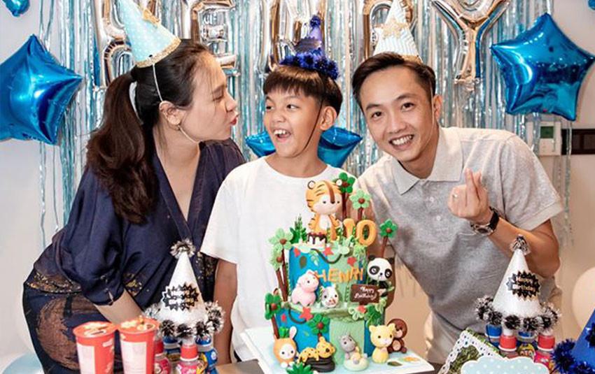 Đàm Thu Trang lộ rõ vòng 2 căng tròn khi cùng Cường Đô La tổ chức sinh nhật cho Subeo
