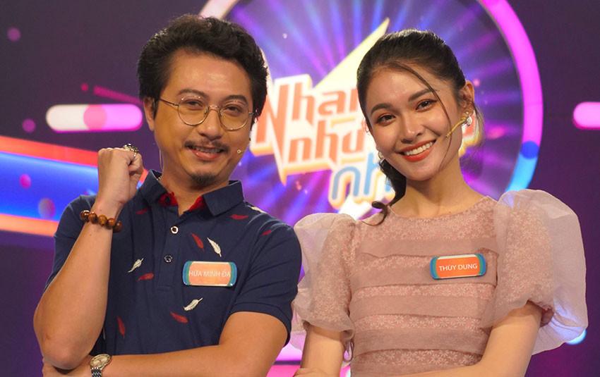 """Lâm Vỹ Dạ vừa vắng nhà, Hứa Minh Đạt đã """"lẻn"""" đi quay gameshow cùng Á hậu Thùy Dung"""