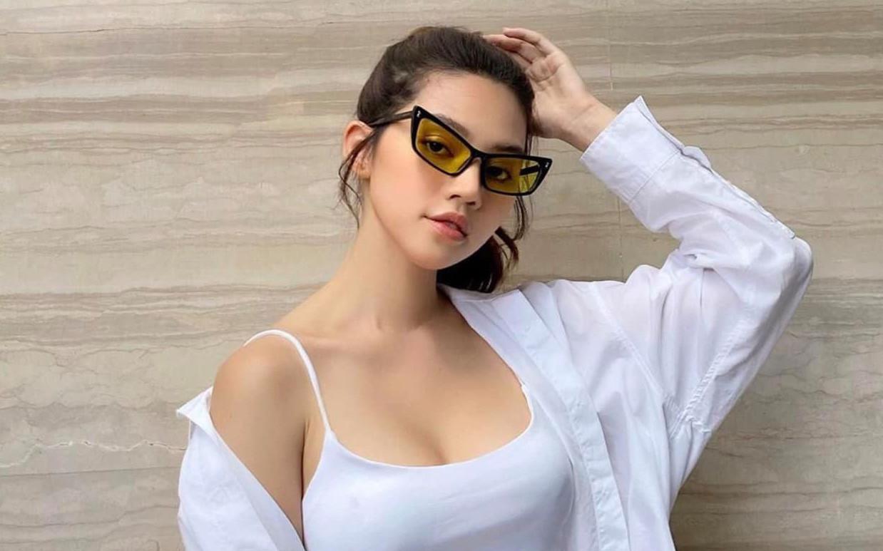 1 ngày sau dòng trạng thái gây chú ý, Jolie Nguyễn đăng tải hình ảnh xuất hiện hiếm hoi trên MXH