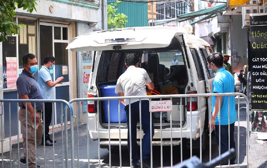 Bệnh nhân 458 mắc Covid-19 từng đến chợ, ăn uống tại nhiều hàng quán và phụ em gái bán trà sữa trước khi có biểu hiện sốt, tức ngực