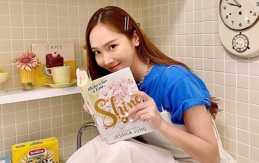 Jessica có động thái sau màn đụng chạm với SNSD khiến dân tình thốt lên: Có tật giật mình hay gì?