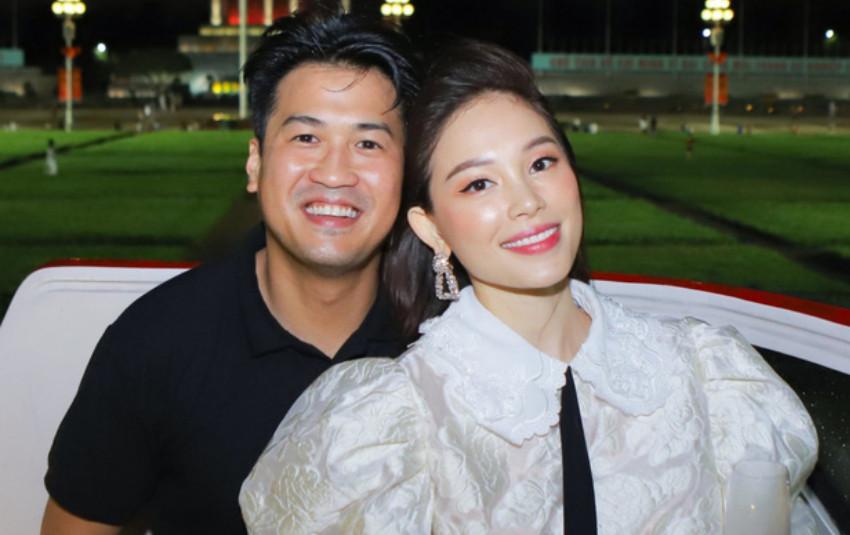 Phillip Nguyễn - Linh Rin quấn quýt như vợ chồng son khiến ai cũng ghen tị