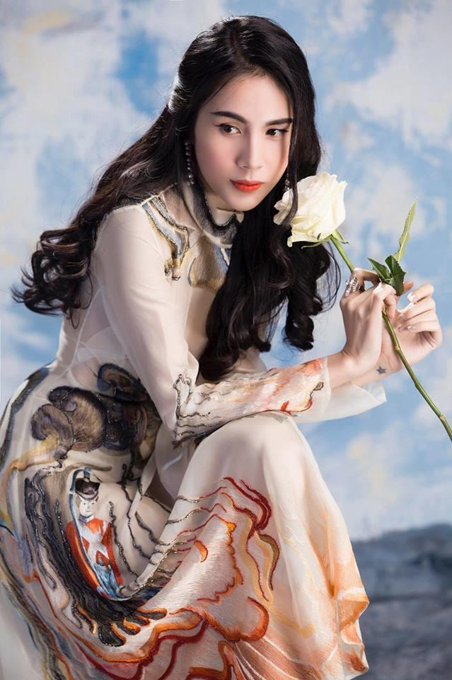 Top 10 nữ ca sĩ xinh đẹp nhất Việt Nam: Hạng 1 và 2 ngang tài ngang sắc