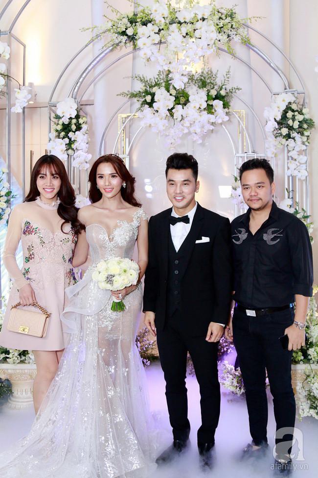 Nam Em, Thu Thủy... cùng dàn sao hạng A hội ngộ trong đám cưới Ưng Hoàng Phúc - Kim Cương