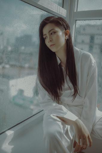 Vpop tuần đầu tháng 11: Gil Lê để tóc dài lạ lẫm, Hòa Minzy tiếp tục bị người yêu đối xử tệ bạc