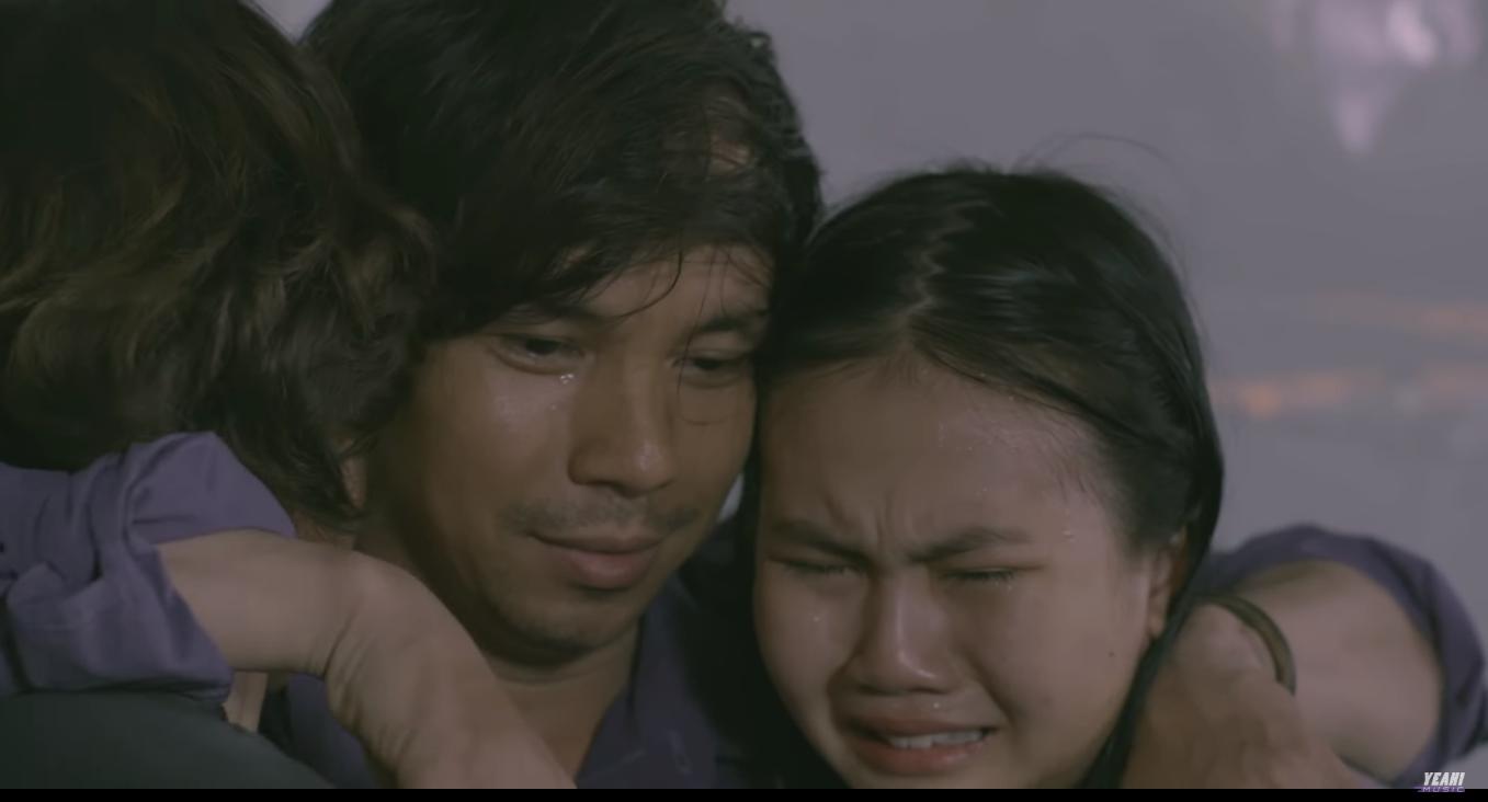 Khán giả rớt nước mắt với những hình ảnh quen thuộc thời học sinh trong phim ca nhạc của Chí Thiện