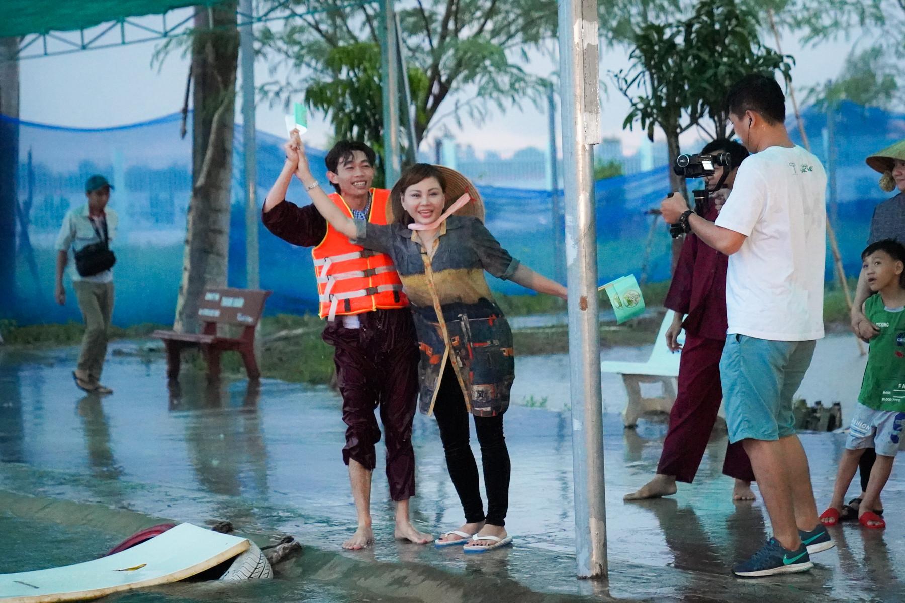 Lê Giang, Minh Dũng và Hồng Thanh nhận thử thách dở khóc dở cười trong Việt Nam tươi đẹp