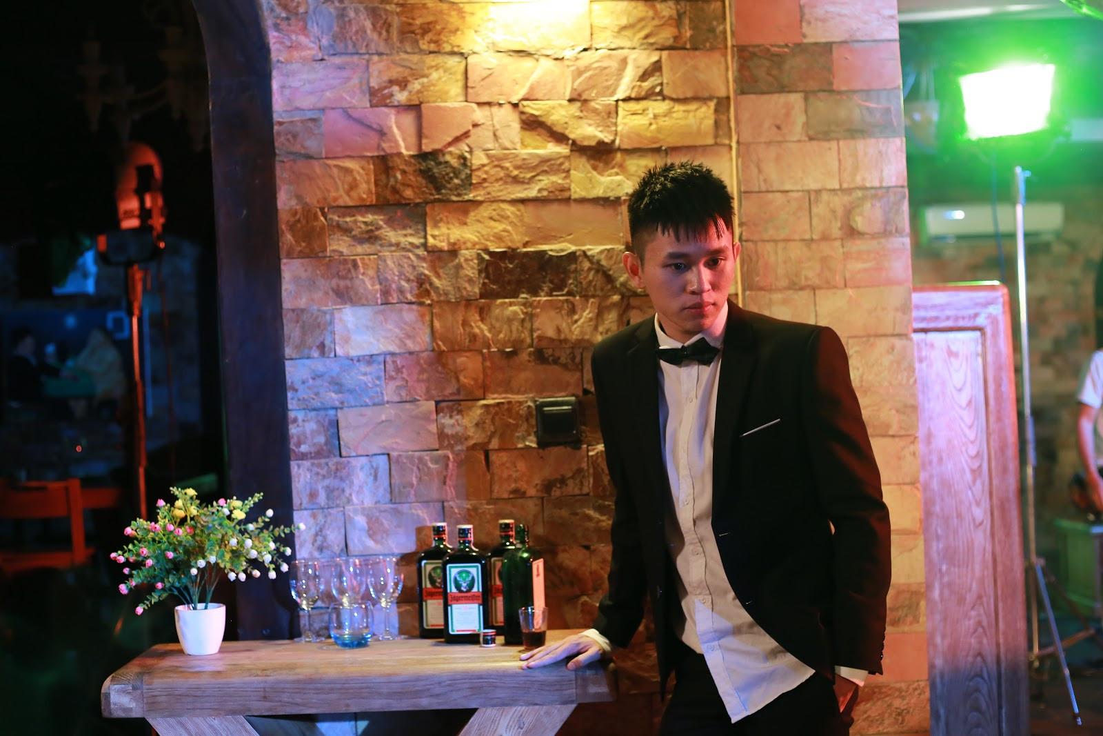 """B Ray mở màn 2019 bằng MV cực """"gắt"""" kết hợp cùng AMEE"""