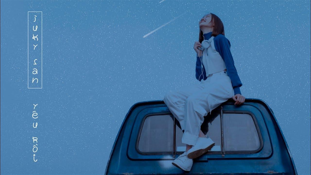 """Hot girl 9X tung bản cover """"Yêu Rồi"""" cực hay"""