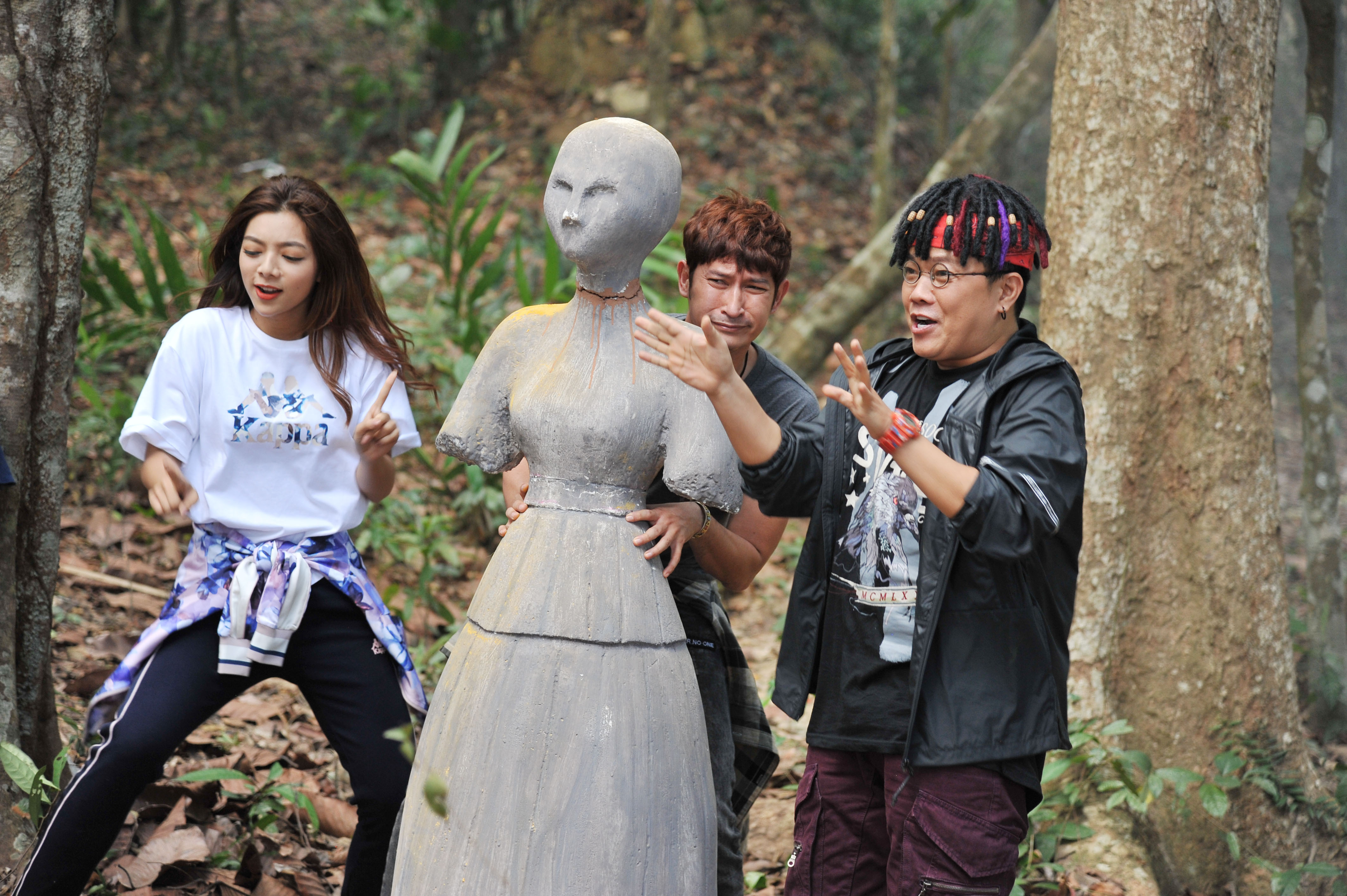 Huy Khánh, Mạc Văn Khoa bị ma hù vẫn hát rap giữa nghĩa địa
