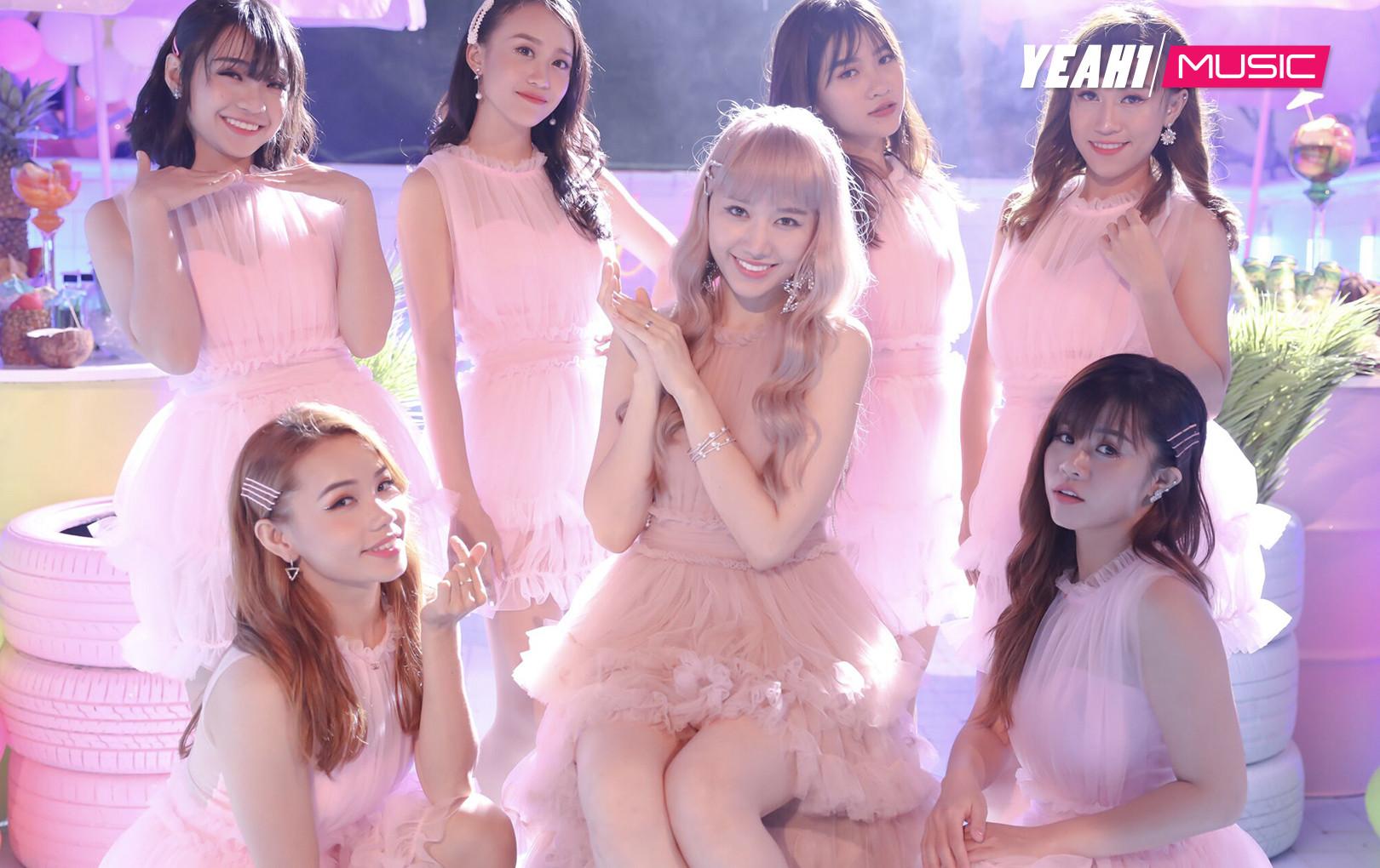 """Hari Won bị Trấn Thành """"mắng"""" vì hát không rõ lời trong MV mới ra mắt"""