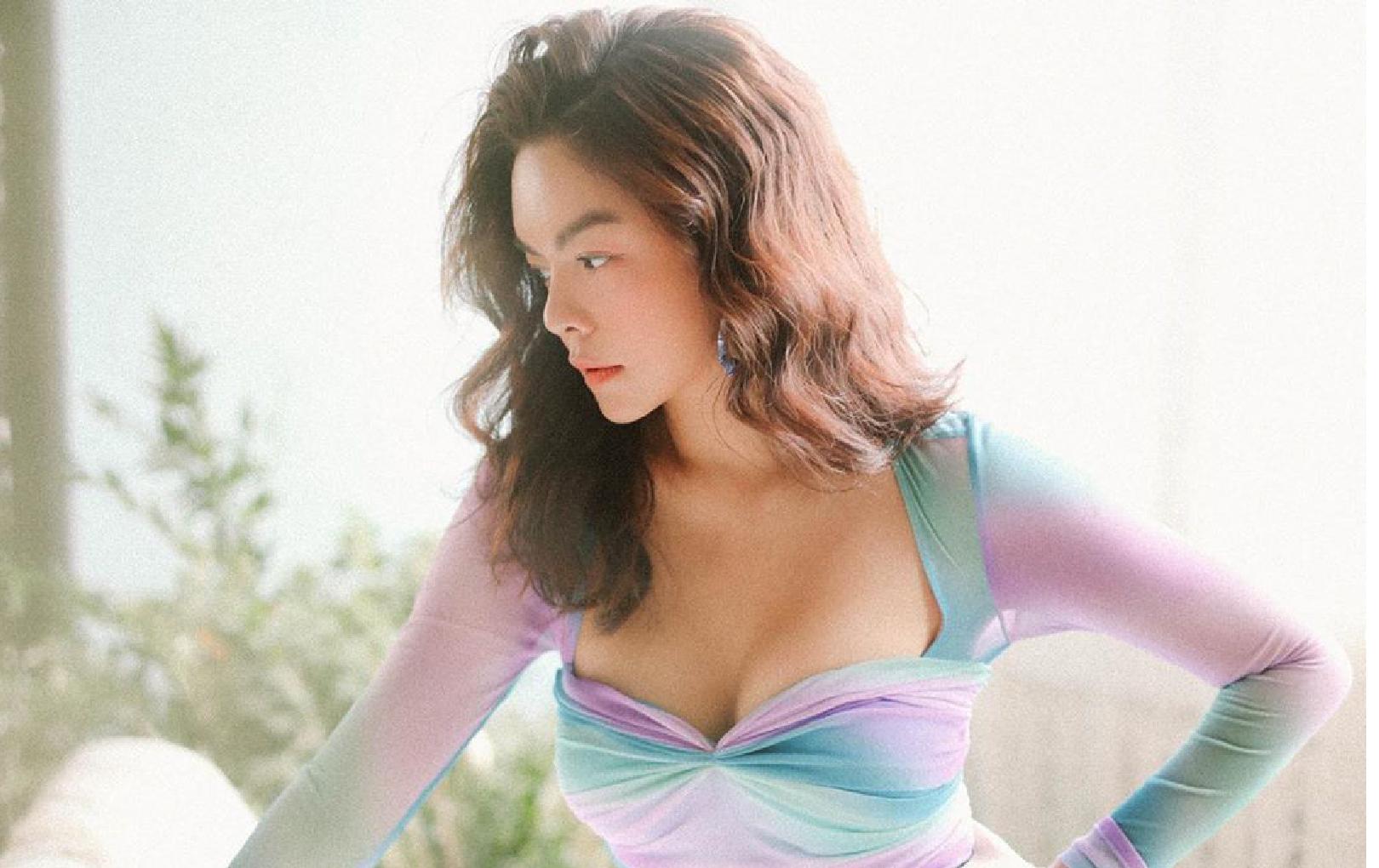 Phạm Quỳnh Anh diện váy cúp ngực o ép vòng 1, ngày càng gợi cảm sau ly hôn