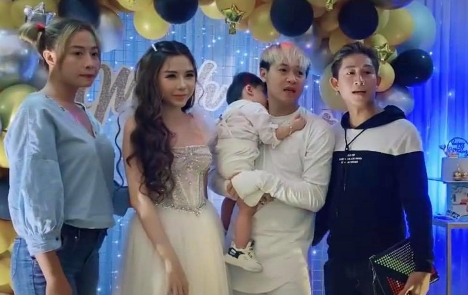 Phản ứng gây bất ngờ của TiTi - Hồ Gia Hùng khi vô tình tham dự chung một bữa tiệc