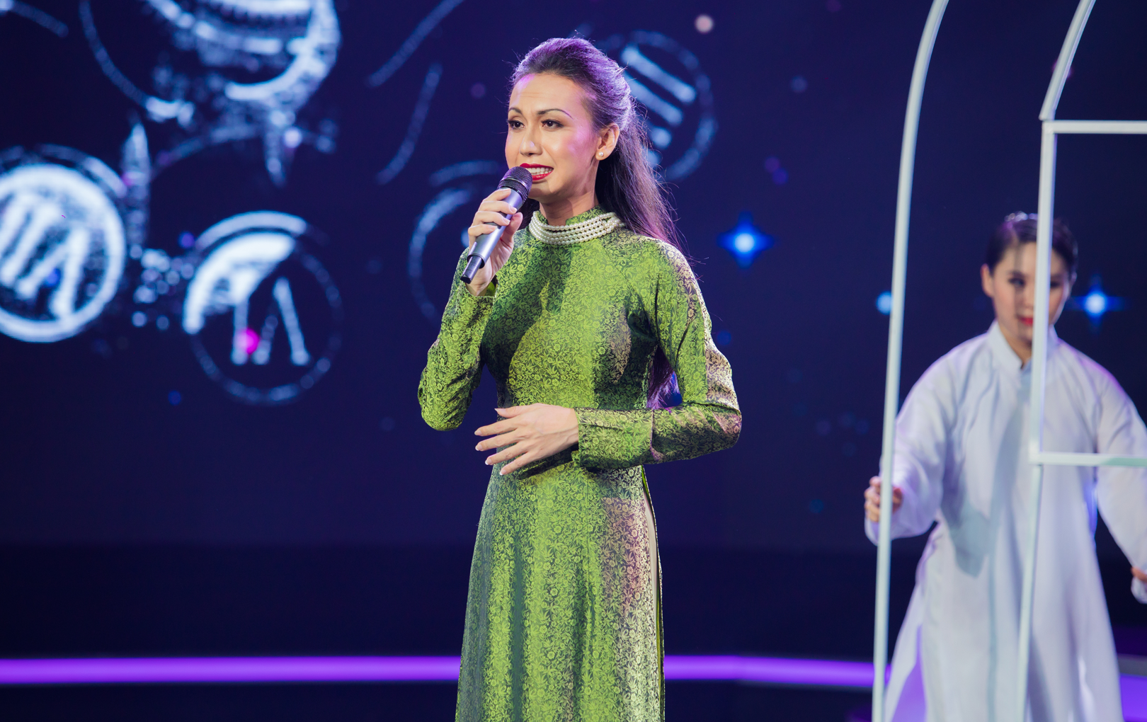 Hải Đăng Doo bị loại, Lynk Lee và Phạm Lịch giành giải nhất tuần ở tập 4 Gương Mặt Thân Quen