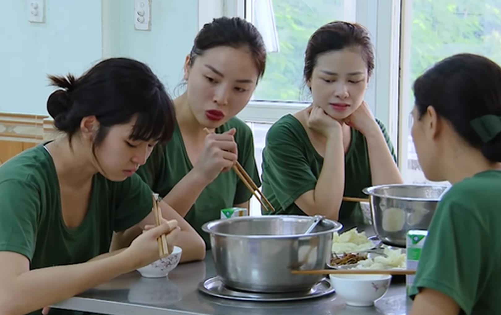 """Bị chỉ trích """"tiểu thư"""" khi tham gia Sao Nhập Ngũ, Khánh Vân phản hồi: """"Quay rồi không biết sửa làm sao"""""""