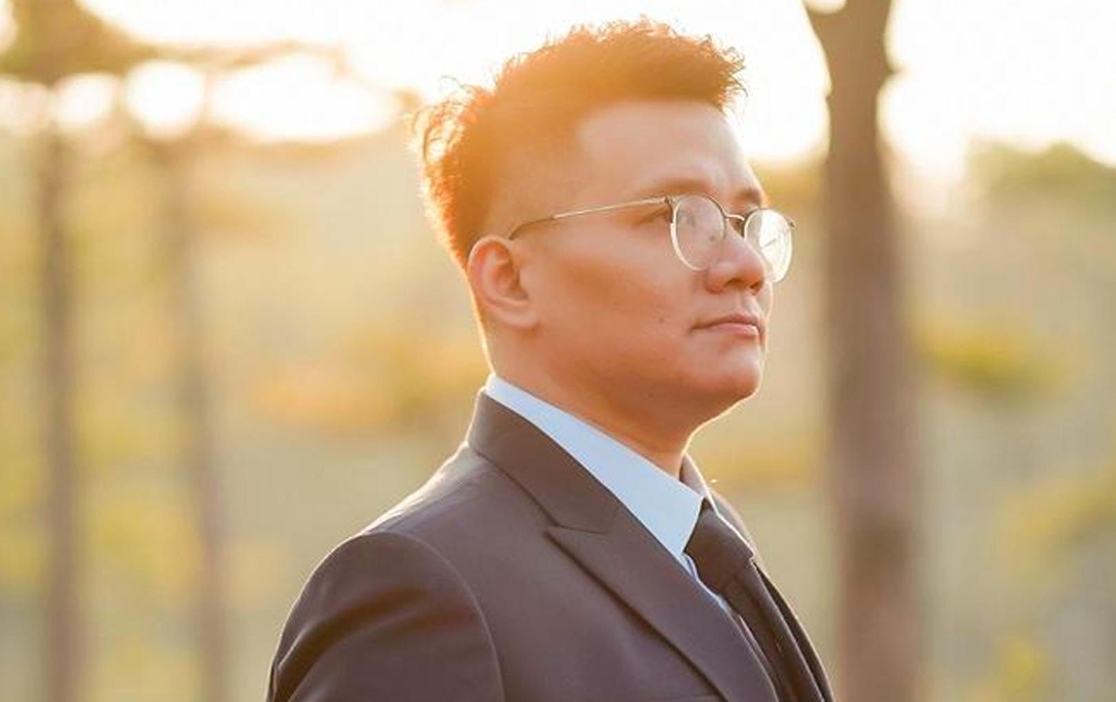 NÓNG: Bộ Công an bắt 'cậu IT' Nhâm Hoàng Khang với cáo buộc 'cưỡng đoạt tài sản'