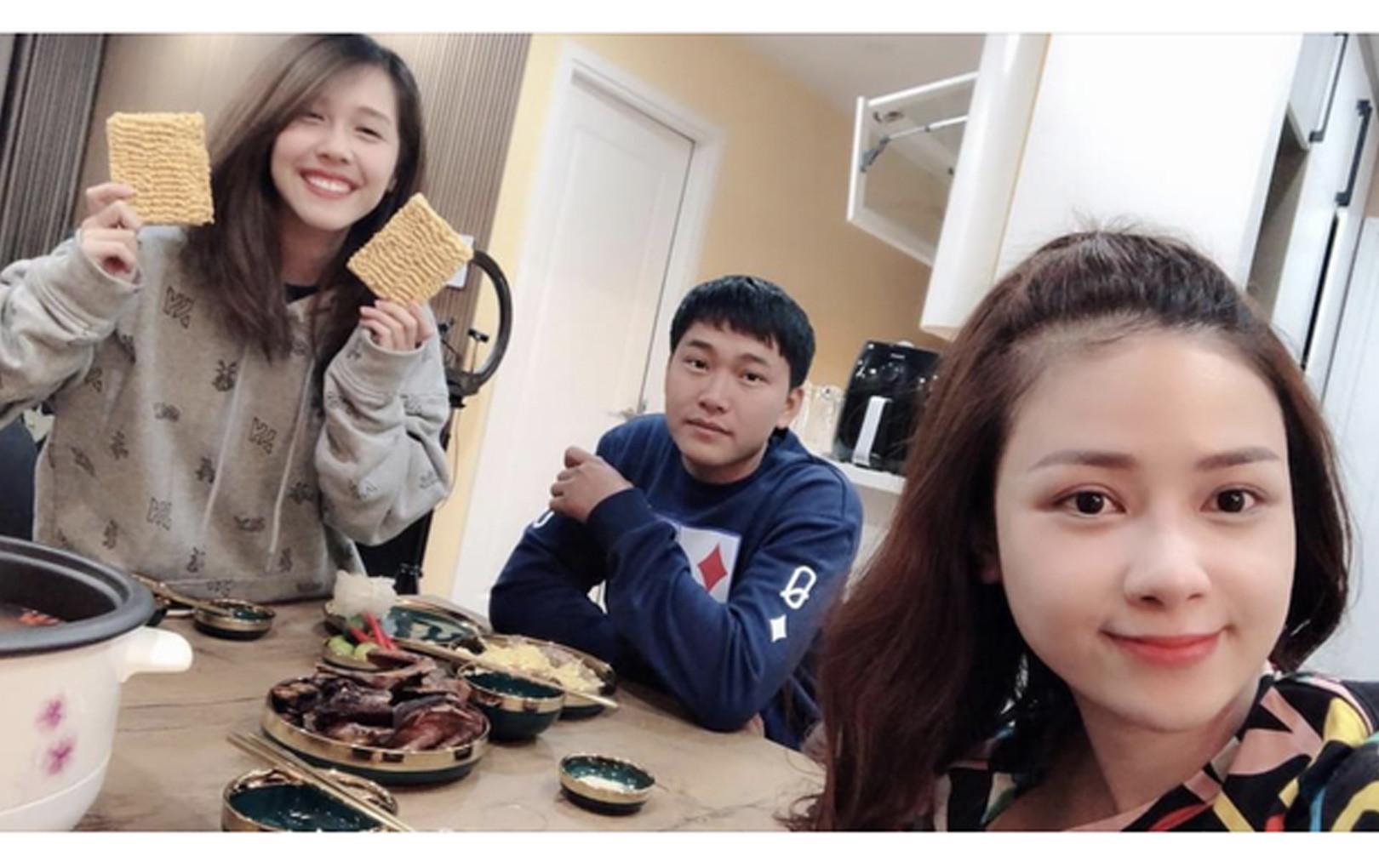 Mũi trưởng Long chính thức có mặt trên bàn ăn cùng Hậu Hoàng và Dương Hoàng Yến tại Hà Nội