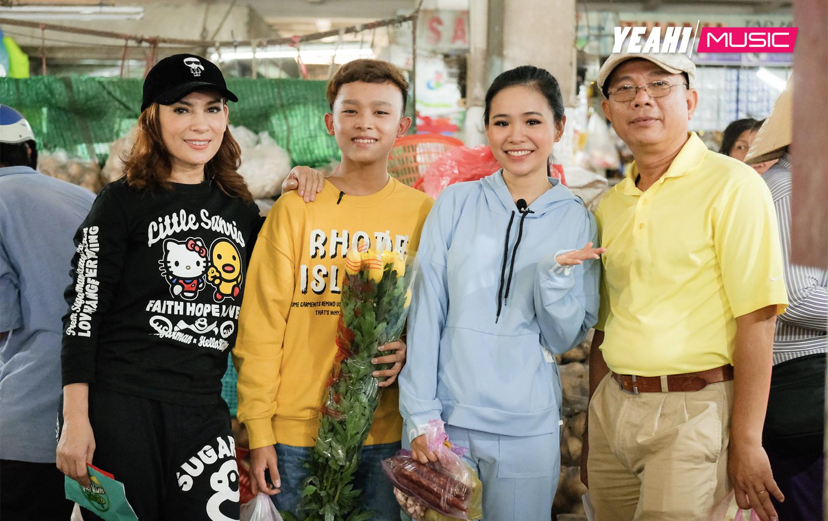 Gia đình Phi Nhung cùng Trung Dân tổ chức trao quà từ thiện và đi lễ chùa đầu năm