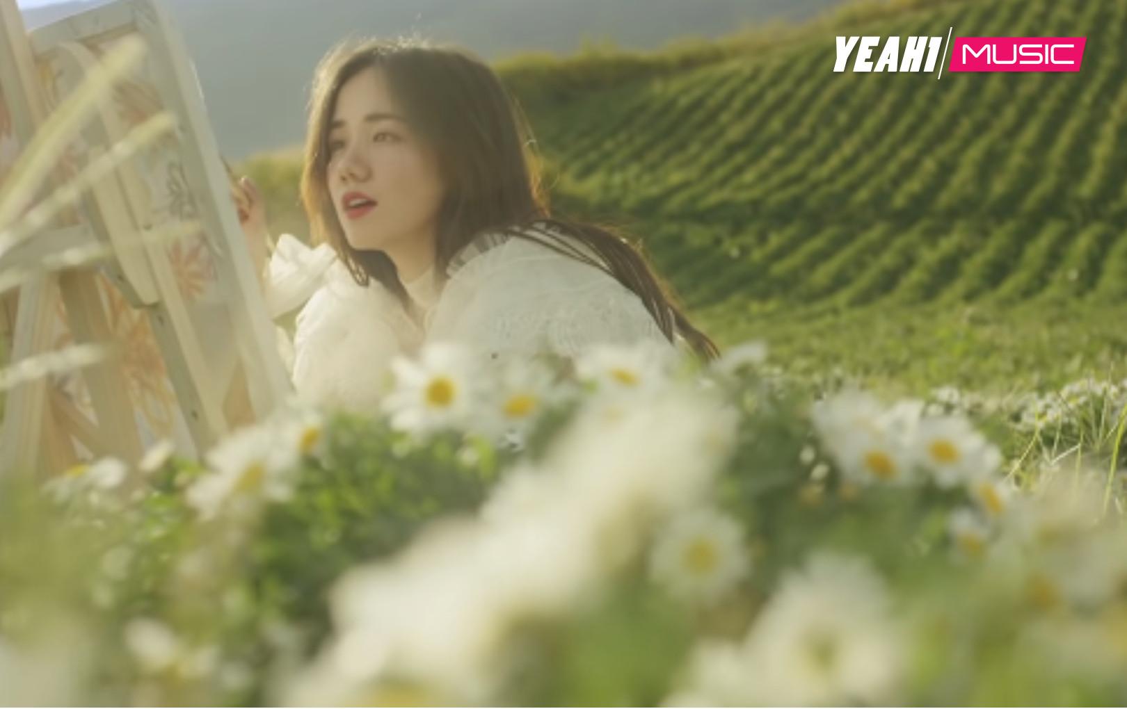 """Chờ đợi 2 năm, cuối cùng Phương Ly cũng ra mắt teaser """"Anh Là Ai?"""" kèm lời xin lỗi đáng yêu"""