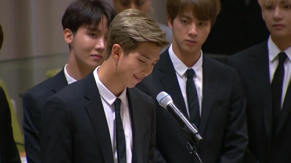 Bài phát biểu của BTS tại Liên Hợp Quốc gây xúc động với thông điệp: hãy yêu thương chính bản thân mình