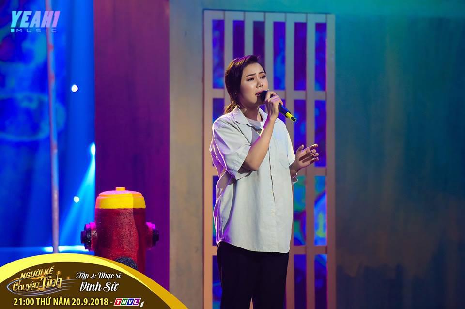 Ca sĩ Hồng Gấm bị giang hồ đòi nợ ngay trên sân khấu