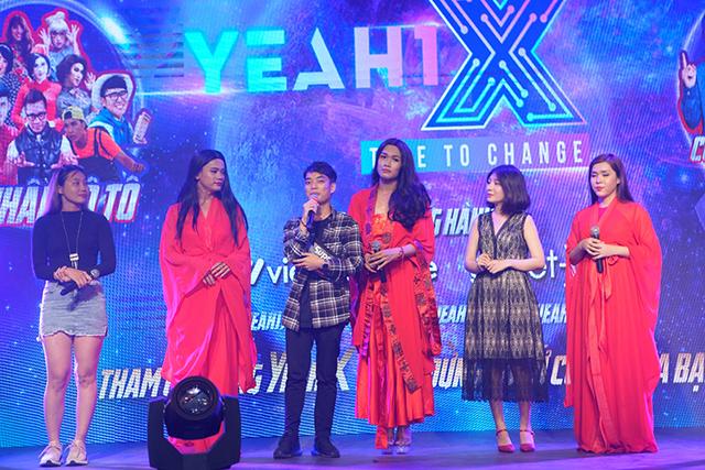 Phi Thanh Vân (Mậu Đạt) cùng Sài Gòn Tân Thời đại náo sự kiện ra mắt Yeah1X bằng bản hit Bùa