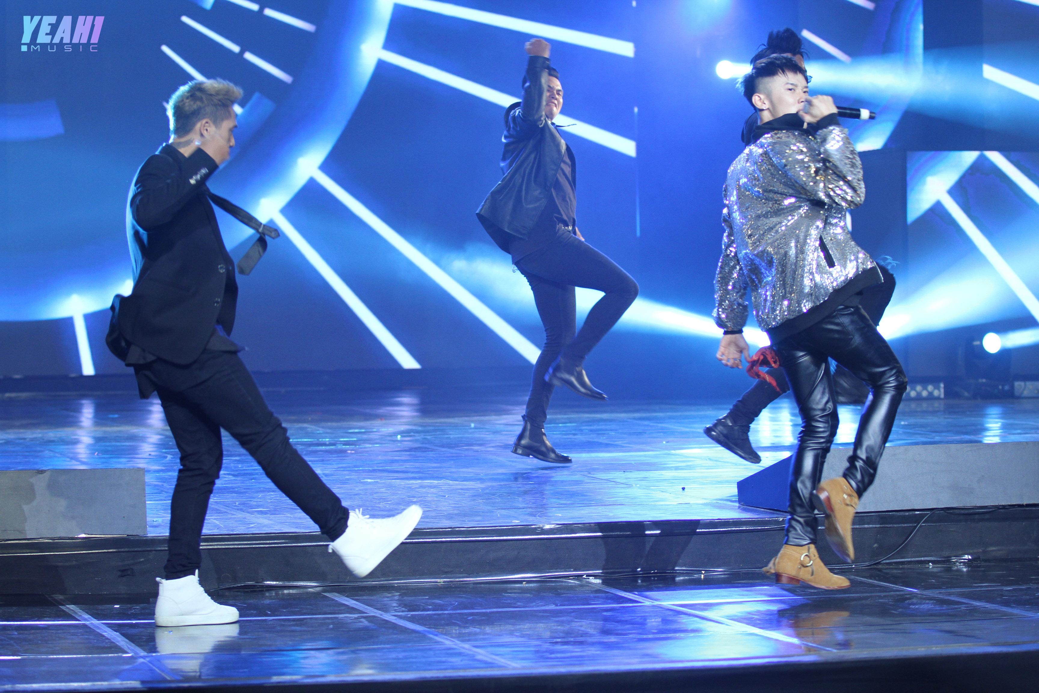 Sunmi thần thái lạnh lùng với Gashina, Seventeen mang bản hit trăm triệu view khuấy đảo show Hàn - Việt cùng dàn nghệ sĩ đình đám