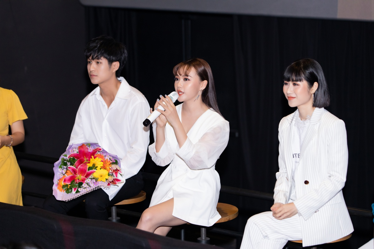 """P.M Band đánh dấu sự trưởng thành bằng MV """"tay ba"""" đẫm nước mắt"""