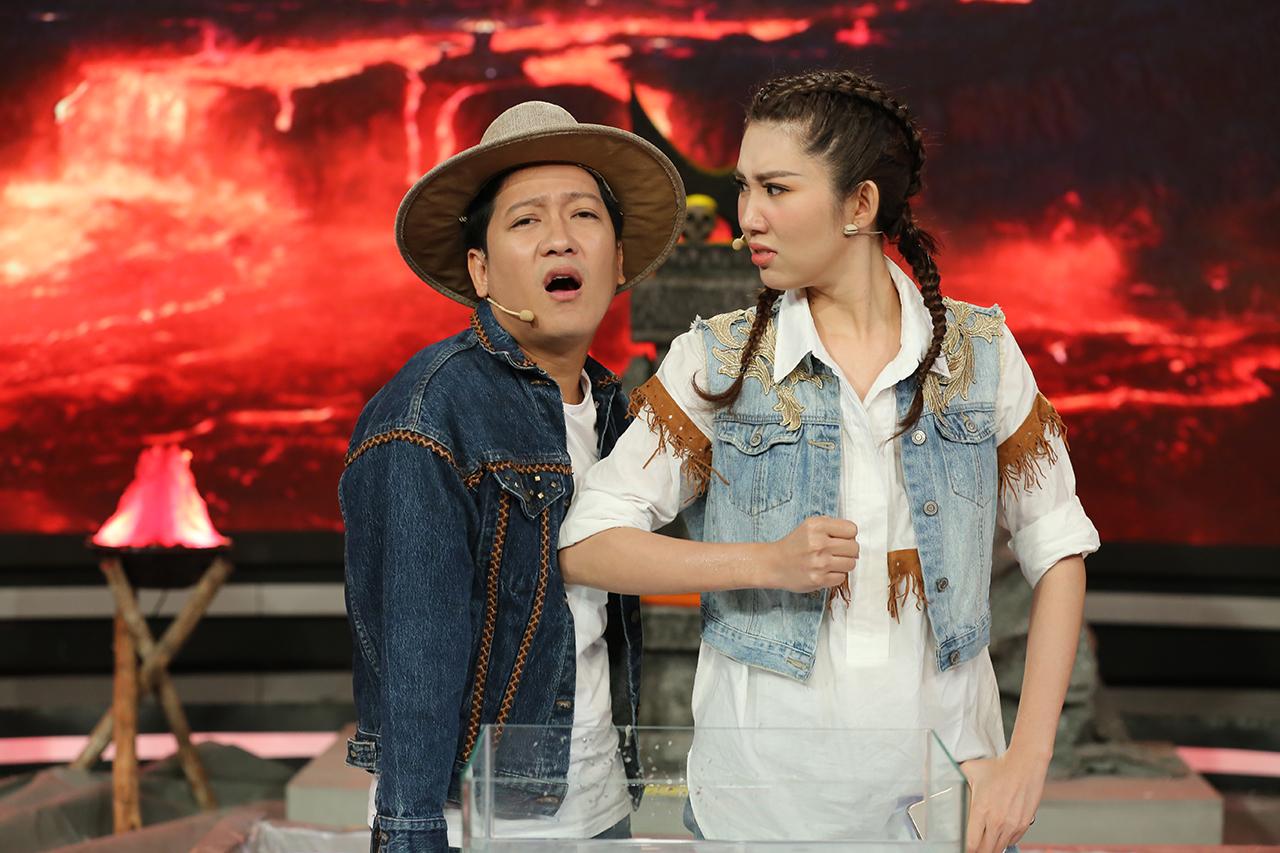 Sau nhiều tranh cãi, Hari Won thú nhận cảm thấy áp lực khi làm MC chung cùng Trường Giang