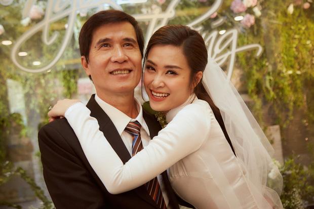 50 sắc thái nụ cười của Đông Nhi trong ngày vu quy: Từ e lệ, dịu dàng đến rạng rỡ đầy hạnh phúc