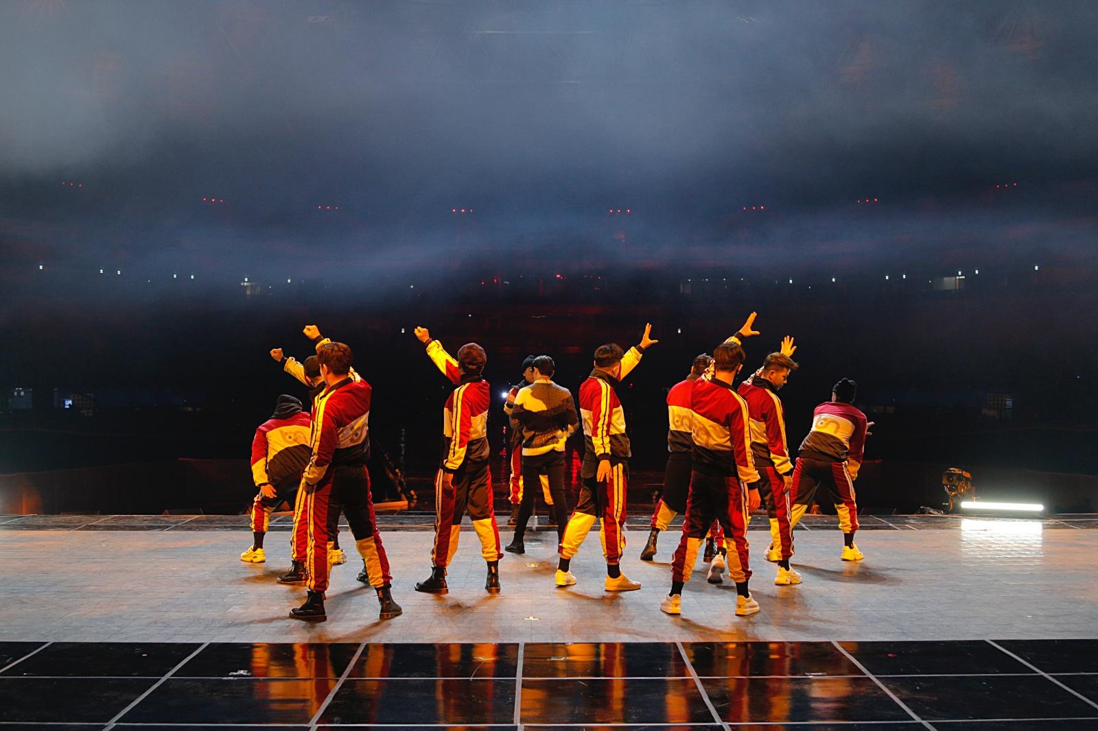 Tập dợt chuyên nghiệp trước giờ G, Noo Phước Thịnh đã sẵn sàng làm bùng nổ sân khấu tại Hàn Quốc