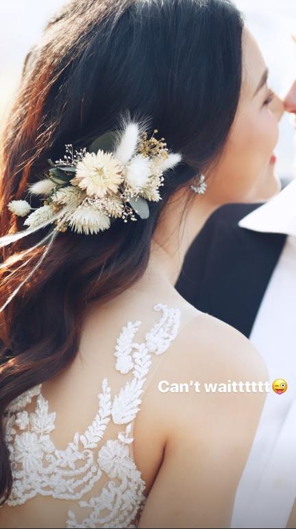MC Hoàng Oanh khoe ảnh cưới, vẫn chưa rõ mặt chú rể nhưng nhìn chiếc mũi đã biết đẹp trai