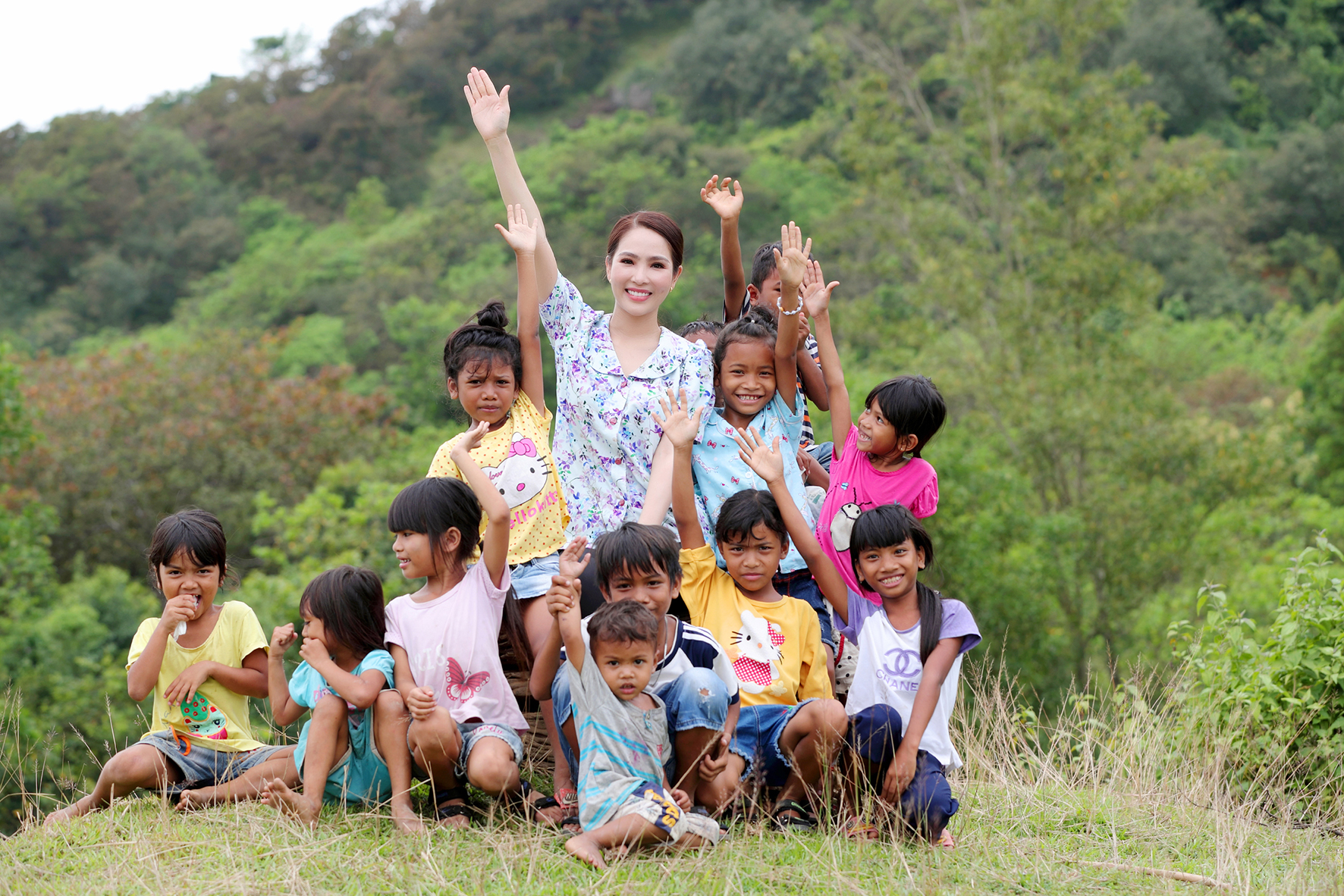 Dương Kim Ánh bỏ thành phố, lên vùng cao làm cô giáo dạy trẻ