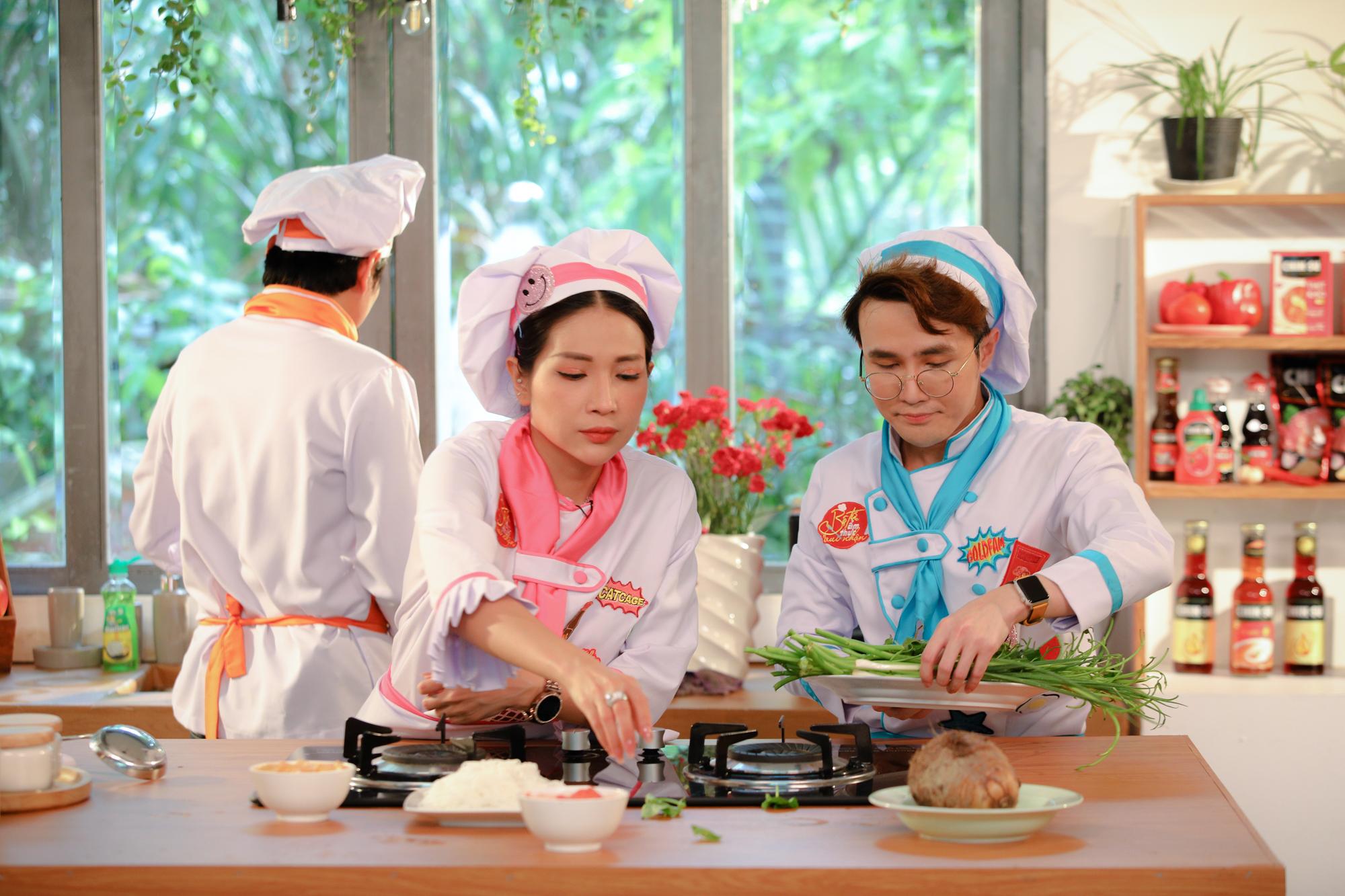 Kiều Minh Tuấn trổ tài làm Cua nấu chao khiến Huỳnh Lập và Khả Như chao đảo