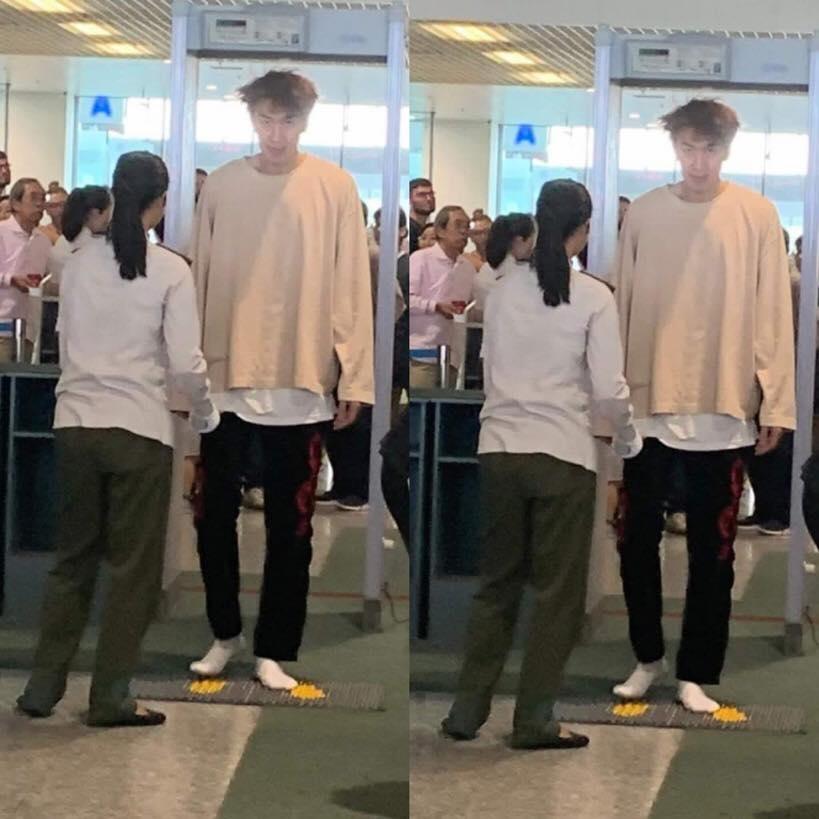 Suýt không nhận ra hoàng tử châu Á Lee Kwang Soo với bộ dạng tàn tạ ra sân bay sau AAA 2019