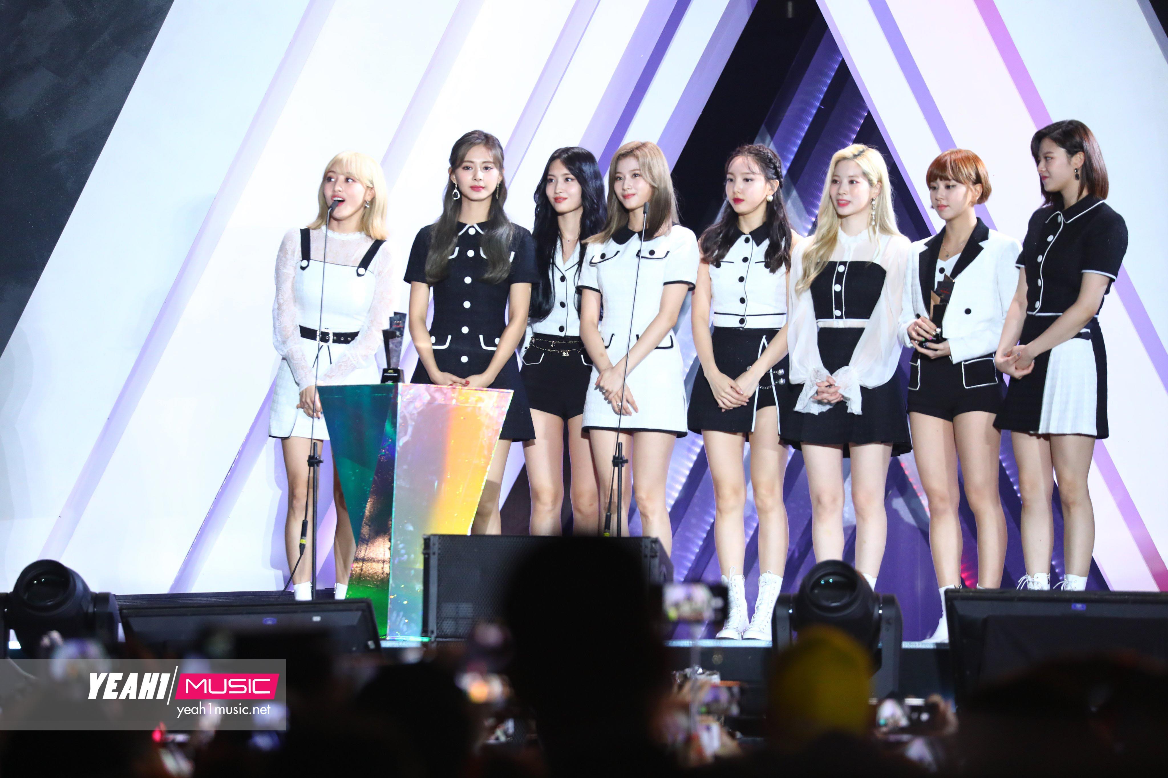 Danh sách giải thưởng AAA 2019: Daesang gọi tên TWICE, Red Velvet, GOT7, SEVENTEEN và Jang Dong Gun
