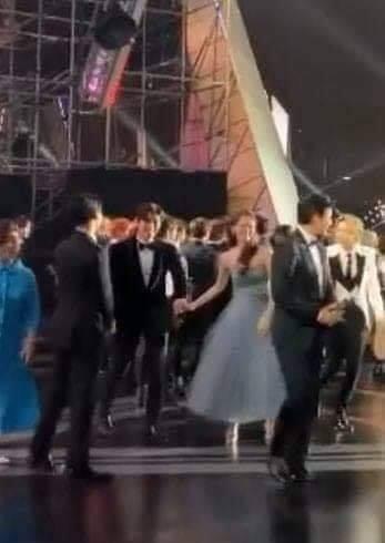 Lộ khoảnh khắc Ji Chang Wook và Yoona nắm tay tại AAA 2019, thuyền K2 nhanh chóng ra khơi
