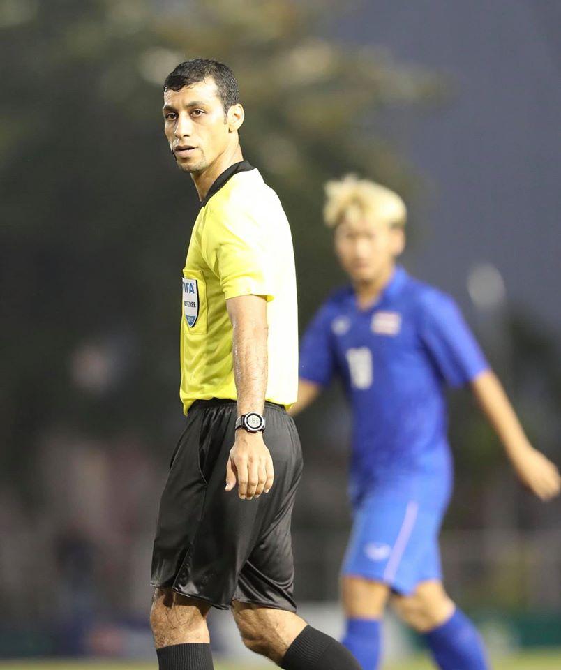 Trọng tài độ thầy trò HLV Park Hang Seo, người hùng Tiến Linh sút penalty đẹp mắt, đưa Việt Nam lên thẳng vị trí đầu bảng B