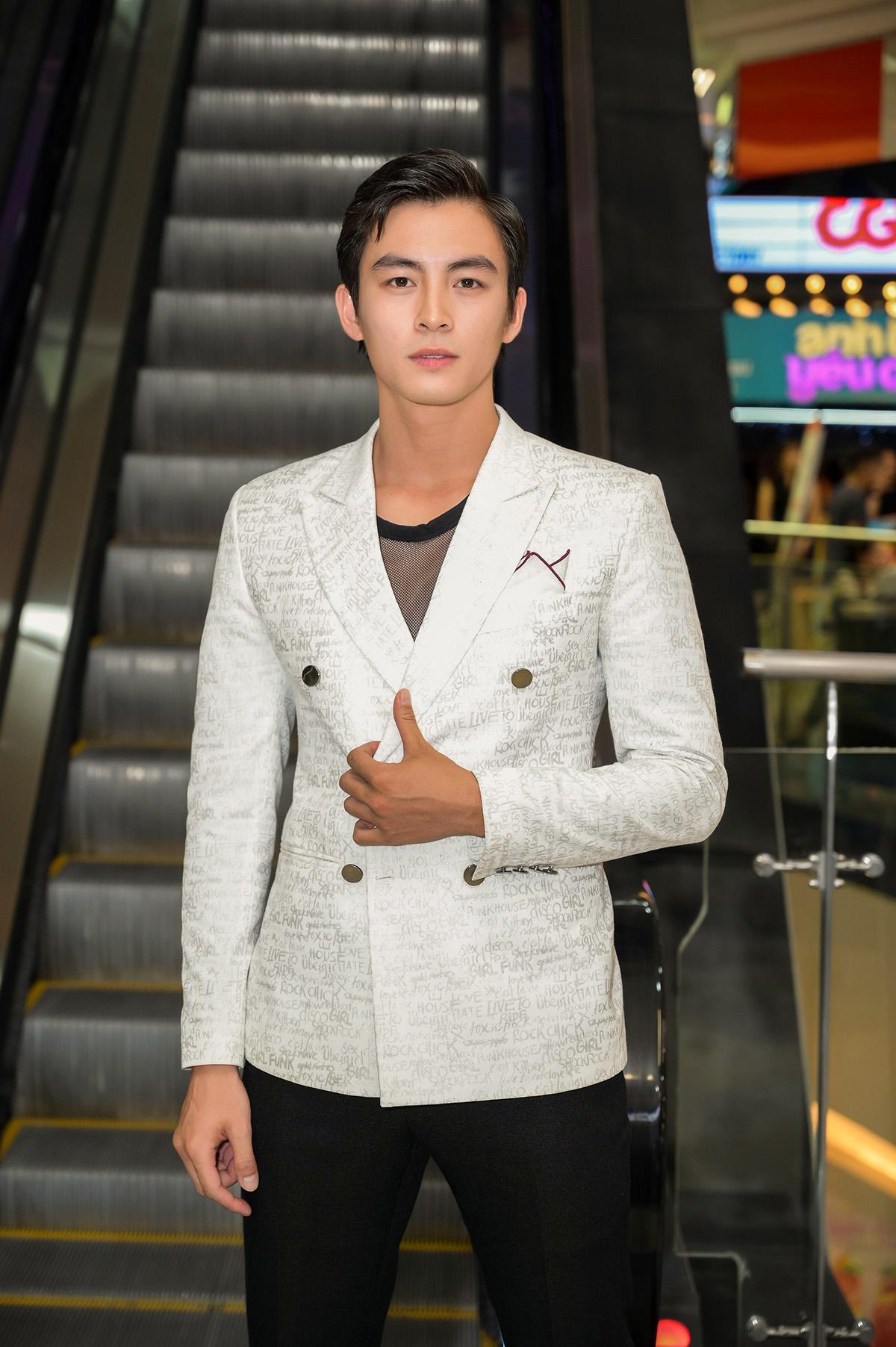 Lãnh Thanh ghi điểm với hình tượng soái ca si tình, yêu Hari Won trong 'Oppa phiền quá nha'