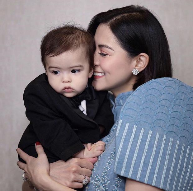 Tan chảy trước vẻ đẹp ngọt ngào của 2 cục cưng nhà mỹ nhân đẹp nhất Philippines Marian Rivera