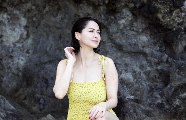 Mỹ nhân đẹp nhất Philippines diện bikini khoe dáng, không cần eo thon vẫn tự tin quyến rũ