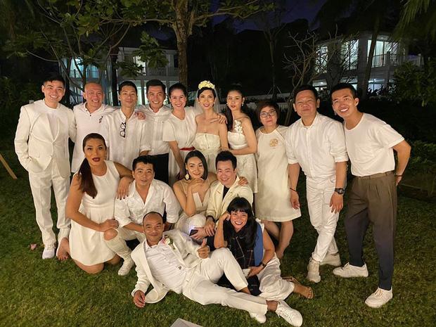 Trương Quỳnh Anh,  Lương Thế Thành - Thúy Diễm đưa nhóc tì đến dự đám cưới Xuân Lan