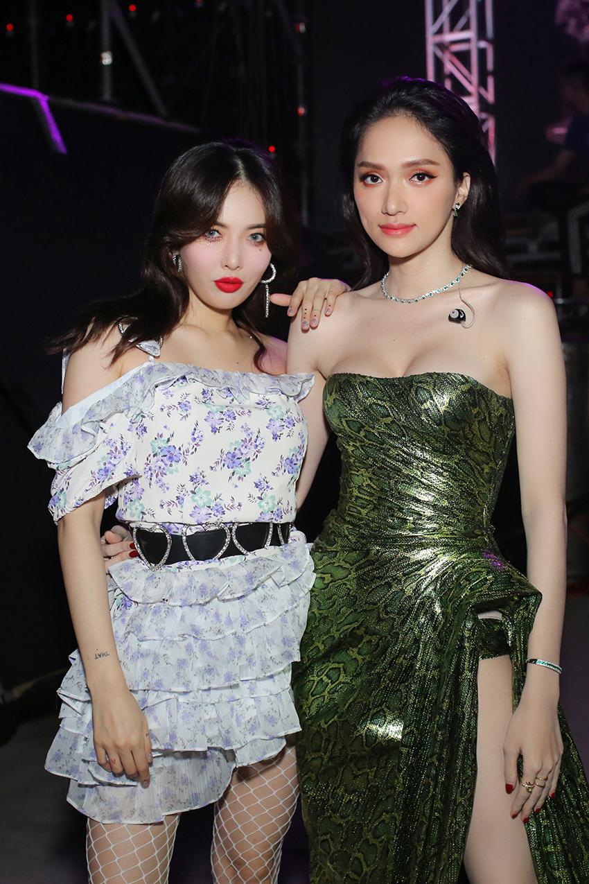 Màn đọ sắc ngang tài ngang sức của Hương Giang cùng nữ hoàng sexy HyunA khiến fan mê mẫn